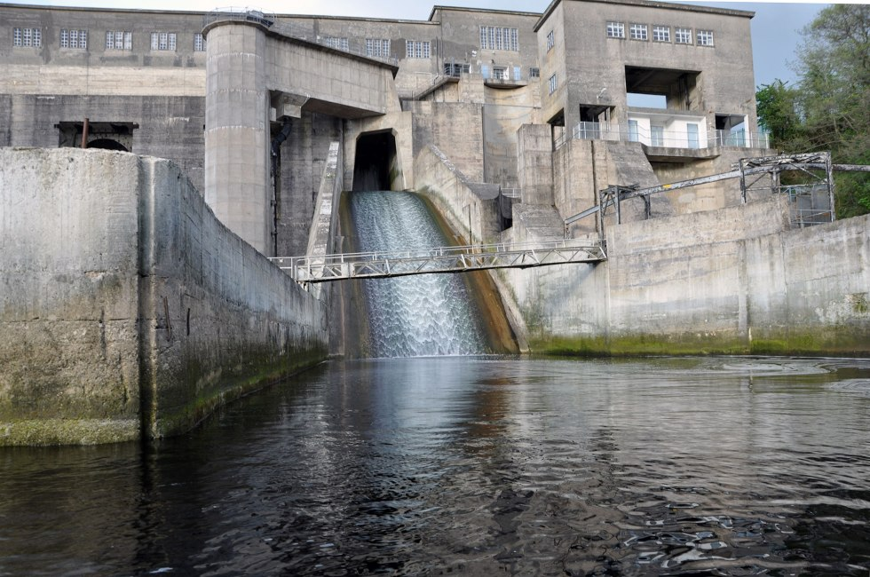 Poorly sealed spillway at Ardnacrusha; an unnecessary attraction for elvers